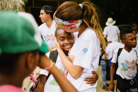 Los Millennials que Fomentan la Paz en Bogotá, Colombia Reciben Subvención de The Coca-Cola Company