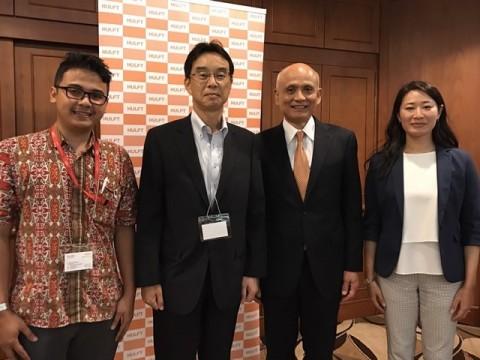 [Photo: From left to right] Wana Sedayu, JOC Presale Team Leader of PT. Fujitsu Indonesia Hirotatsu Kawata, JOC Sales Country Head of PT. Fujitsu Indonesia Kazuhiro Uchida, President and CEO of SAISON INFORMATION SYSTEMS CO., LTD. Yasuko Sakurai, Managing Director, HULFT Pte. Ltd. (Photo: Business Wire)