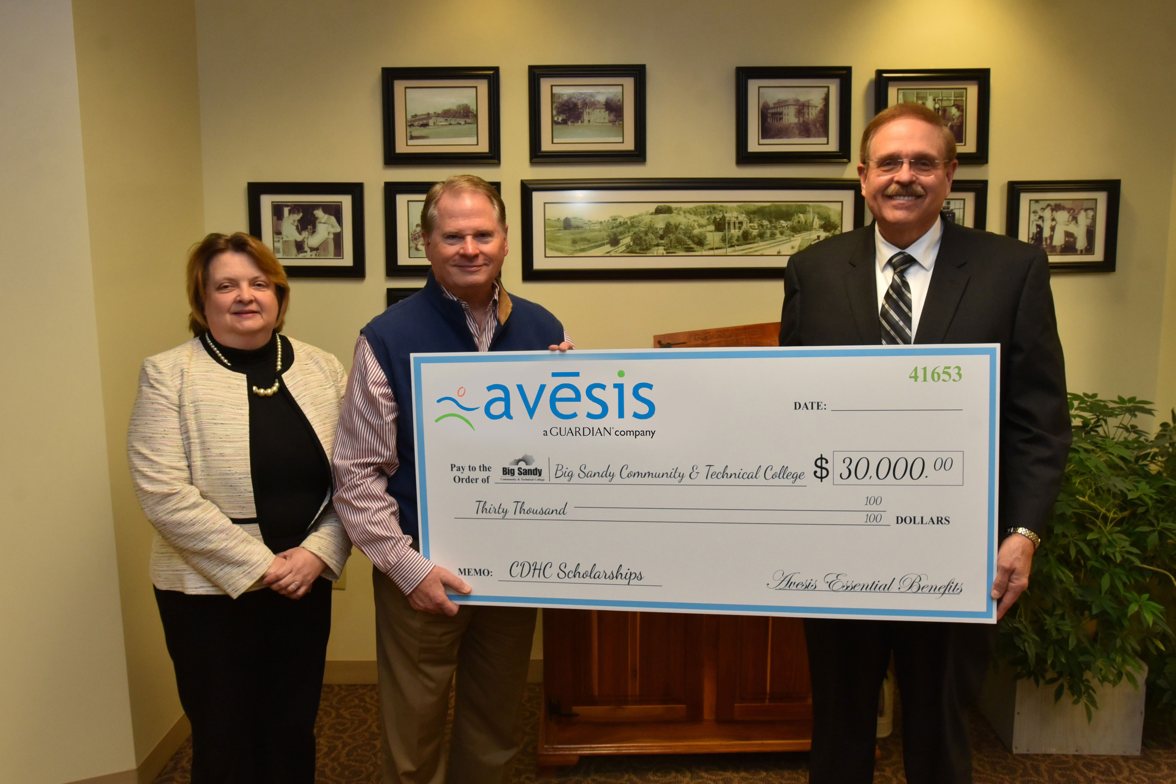 Avēsis Awards Grants to Two Kentucky Champions of Oral