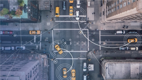 5G can better support mission-critical communications for safer driving and will further support enhanced vehicle-to-everything communications and connected mobility solutions. (Credit: Intel Corporation)