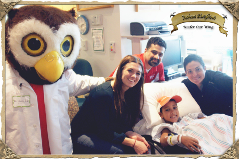 Dr. Hoots, Stephanie Ochs, Gabriel Garcia, and Haley Carter cheering up the kiddos during Valentine's #ADashToRemember at Texas Children's Hospital. (Photo: Business Wire)