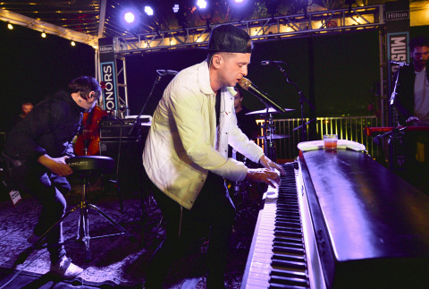 """希爾頓推出業界首創的綜合音樂專案""""Music Happens Here"""",並推出OneRepublic榮譽客會會員專享音樂會(照片:美國商業資訊)"""