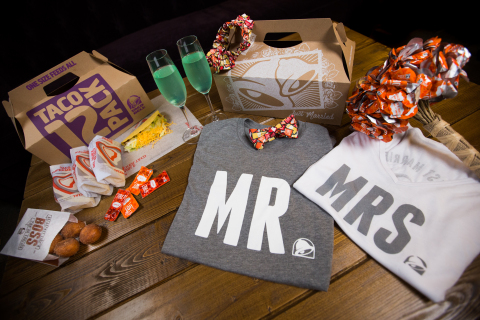 Beginning in summer 2017, visitors to Taco Bell's Las Vegas Cantina flagship can tie the knot Taco Bell-style with a ceremony in the restaurant's wedding chapel. (Photo: Business Wire)