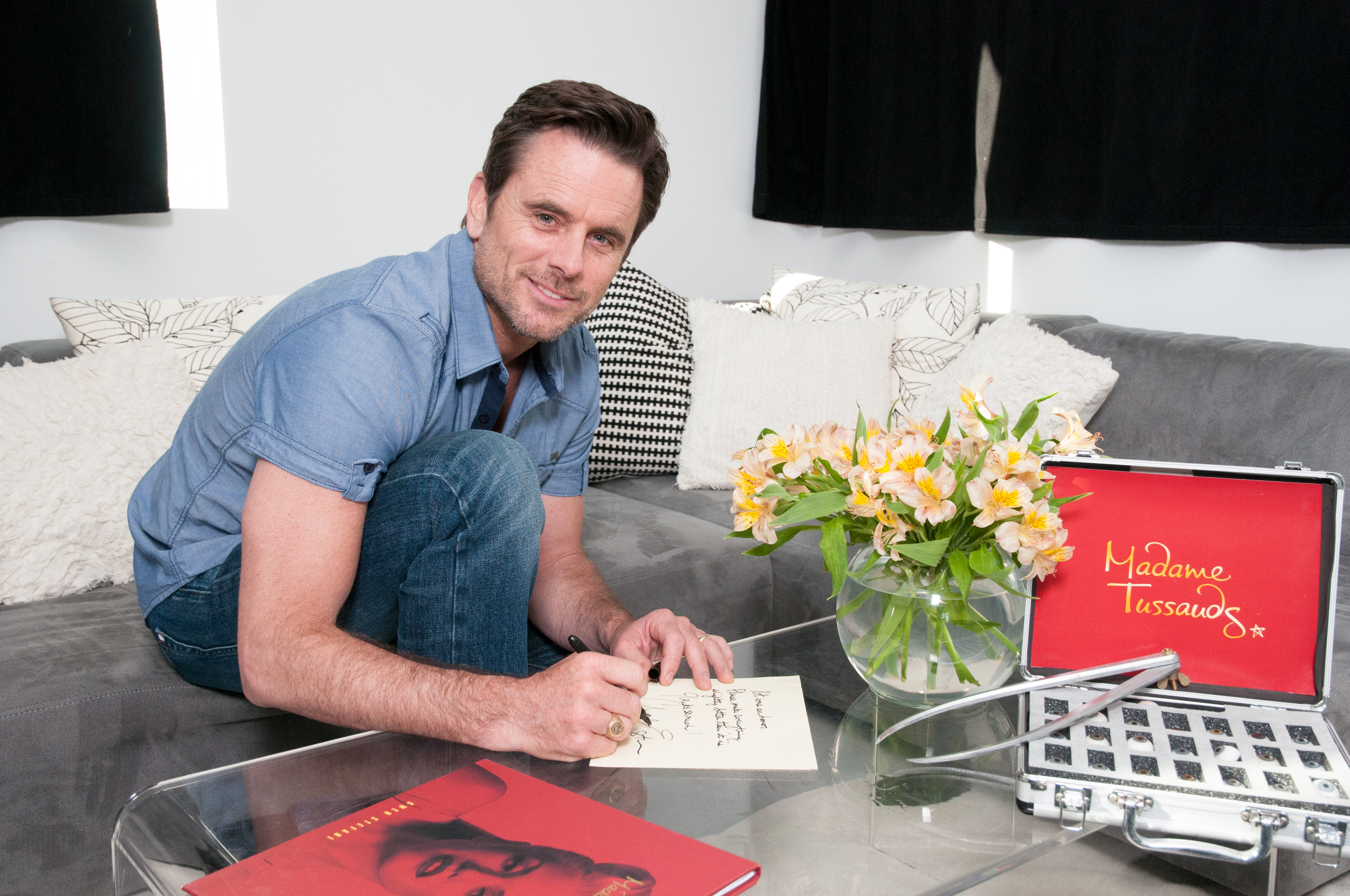Charles Esten at his sitting for Madame Tussauds Nashville (Photo: Business Wire)