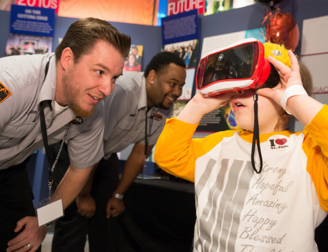 A group of Best Buy employees showed patients new technology during a recent visit to St. Jude Children's Research Hospital in Memphis, Tennessee, to present $18.2 million raised during the Thanks and Giving holiday campaign. Best Buy was the campaign's top fundraising partner. (Photo: St. Jude Children's Research Hospital)