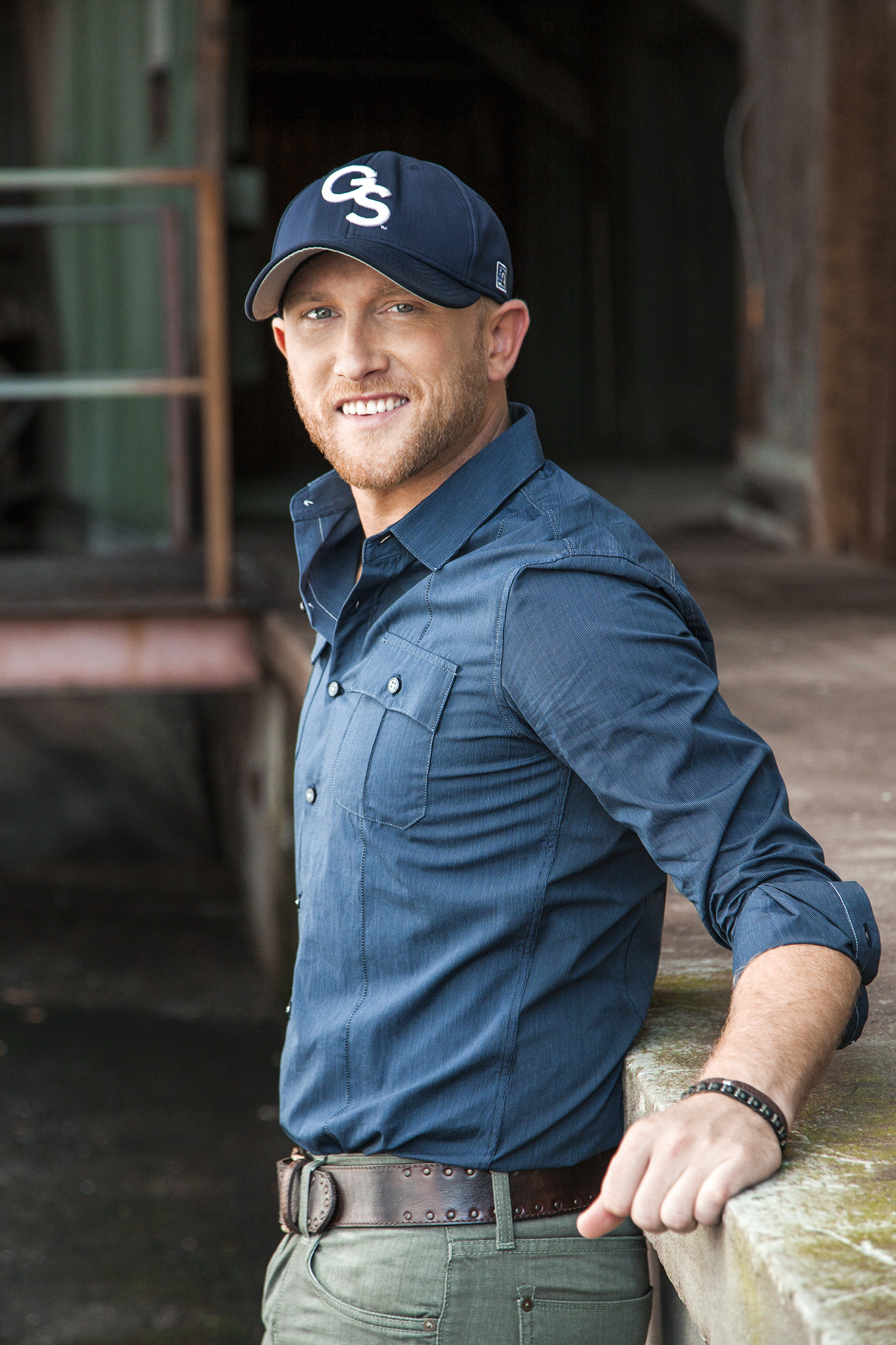 Platinum-selling singer/songwriter, Cole Swindell joins the Diamond Resorts Ambassador team and delivers exciting concert experiences to members. (Photo: Business Wire)