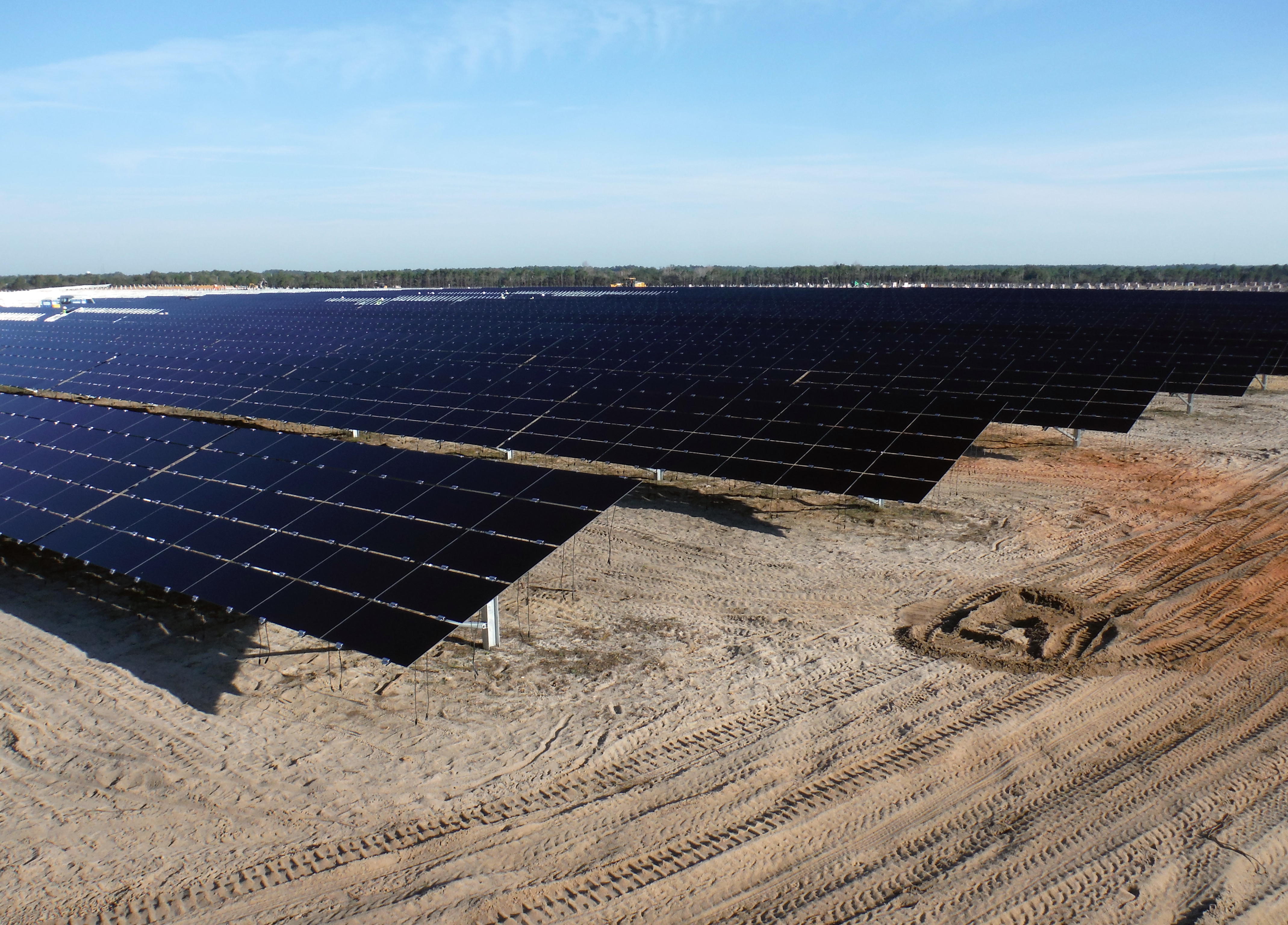 SunLink's GeoPro solar mounting solution in use on portfolio of DoD sites in Florida Panhandle. (Photo: Business Wire)
