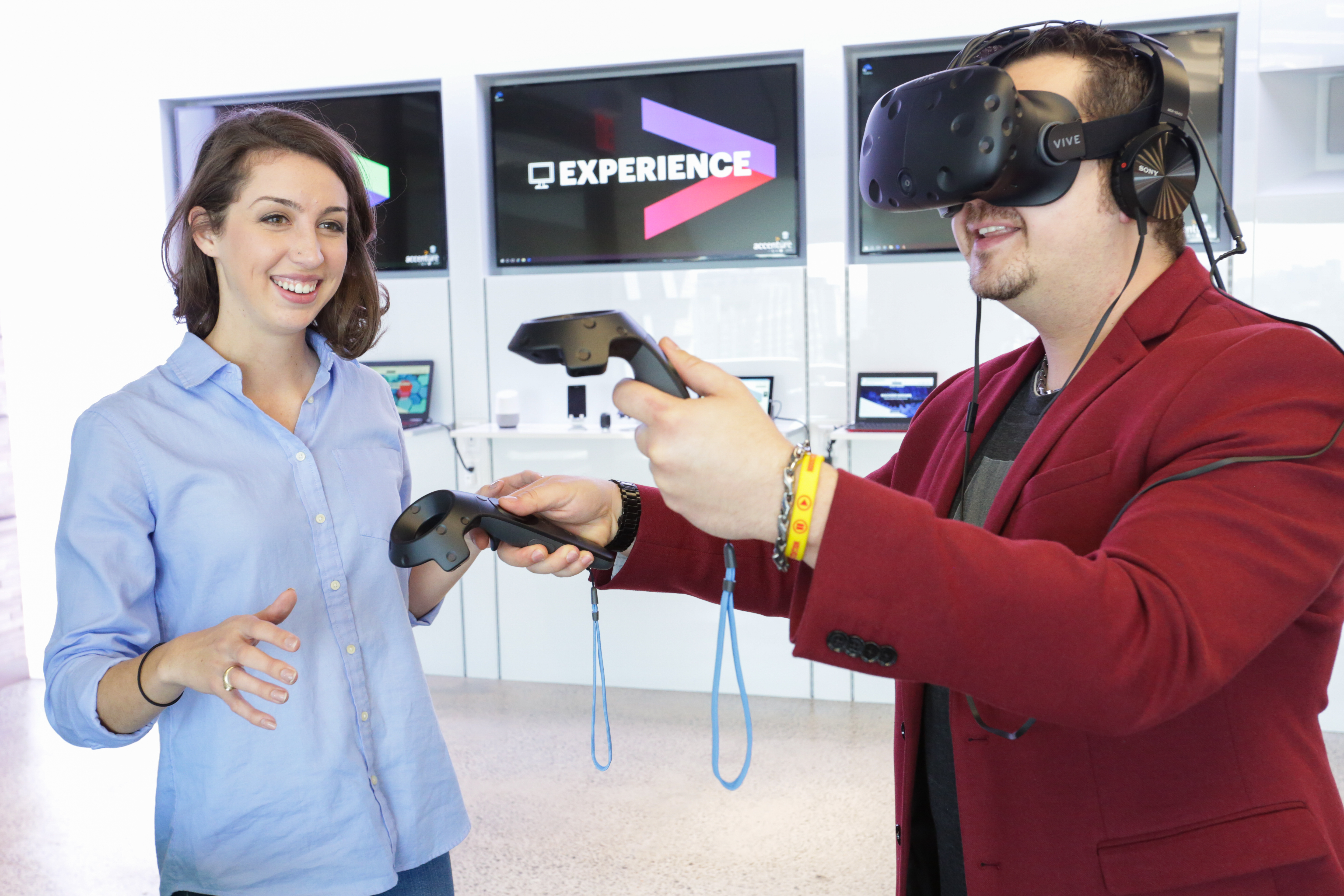 Accenture unveils a new innovation hub in Houston, the first of 10 new hubs that the company will establish as part of a nationwide initiative to accelerate its innovation investment in the United States. (Photo: Business Wire)
