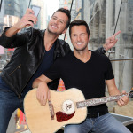 Luke Bryan takes selfie with his first ever Madame Tussauds wax figure slated to appear at the Nashville attraction on April 14 (Photo: Business Wire)
