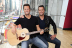 Luke Bryan attends unveiling of his Madame Tussauds Nashville wax figure reveal in Times Square on March 1 (Photo: Business Wire)