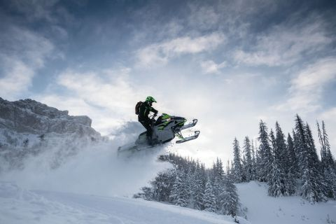 Arctic Cat M8000 SnoPro (Photo: Business Wire)