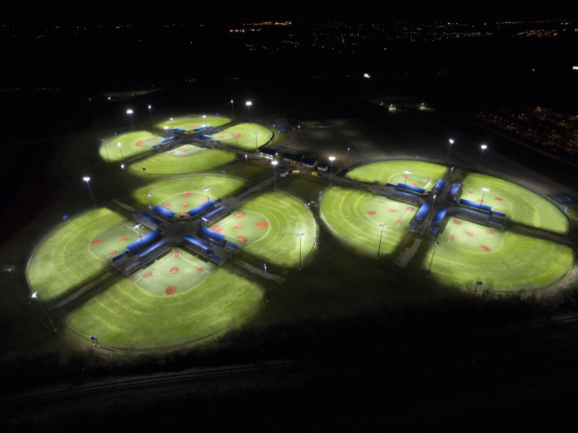 Eaton's advanced Ephesus LED lighting and controls system illuminates Ford Fields' championship-caliber youth baseball/softball fields. (Photo: Business Wire)
