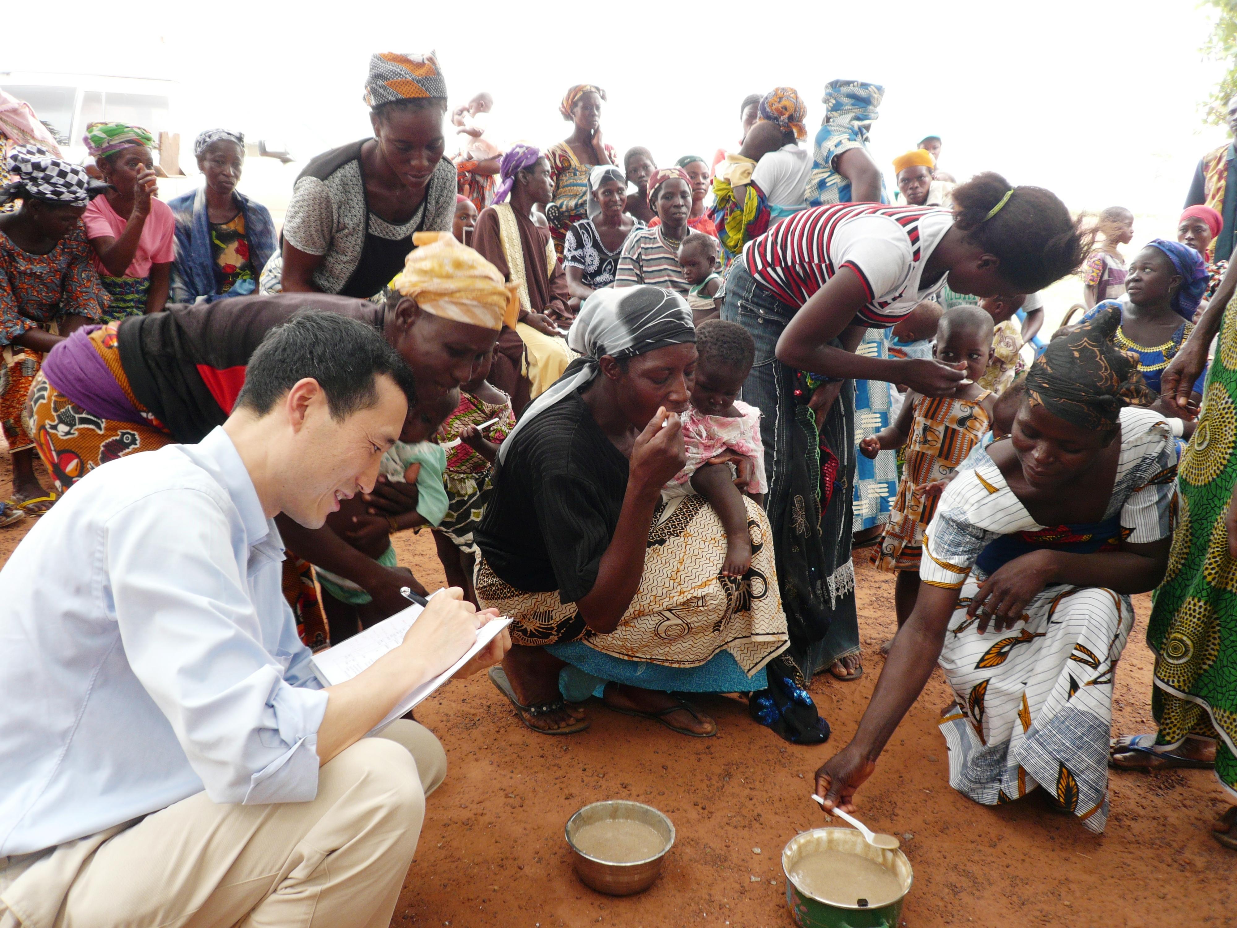 Tasting session by Ajinomoto staff (Photo: Business Wire)