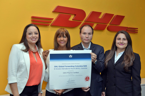 From left to right: Sandra Leiva, Business Process Competency Center and Quality Colombia; Vicky Quintana, Air Freight Head Colombia and Spanish-speaking South America; Jorge Mendez, Air Freight Product Development; and Catalina Mendoza, Air Freight Import Specialist pose with their Bogota, Colombia IATA CEIV certificate. (Photo: Business Wire)