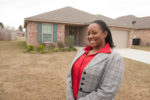 A recent $4,000 Homebuyer Equity Leverage Partnership grant from Home Federal Bank and FHLB Dallas helped Shreveport mother Kimberly Samuels purchase her first home. (Photo: Business Wire)