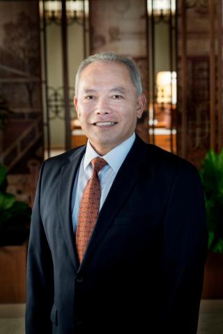 Mr. Albert N. Yoza, Financial Controller of Hotel Operations at Halekulani and Waikiki Parc (Photo: Business Wire)