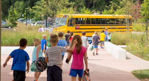 First Priority Global collaborates with the Sacramento Metropolitan Air Quality Management District to deploy the largest fleet of electrified school buses in the US. (Photo: Business Wire)