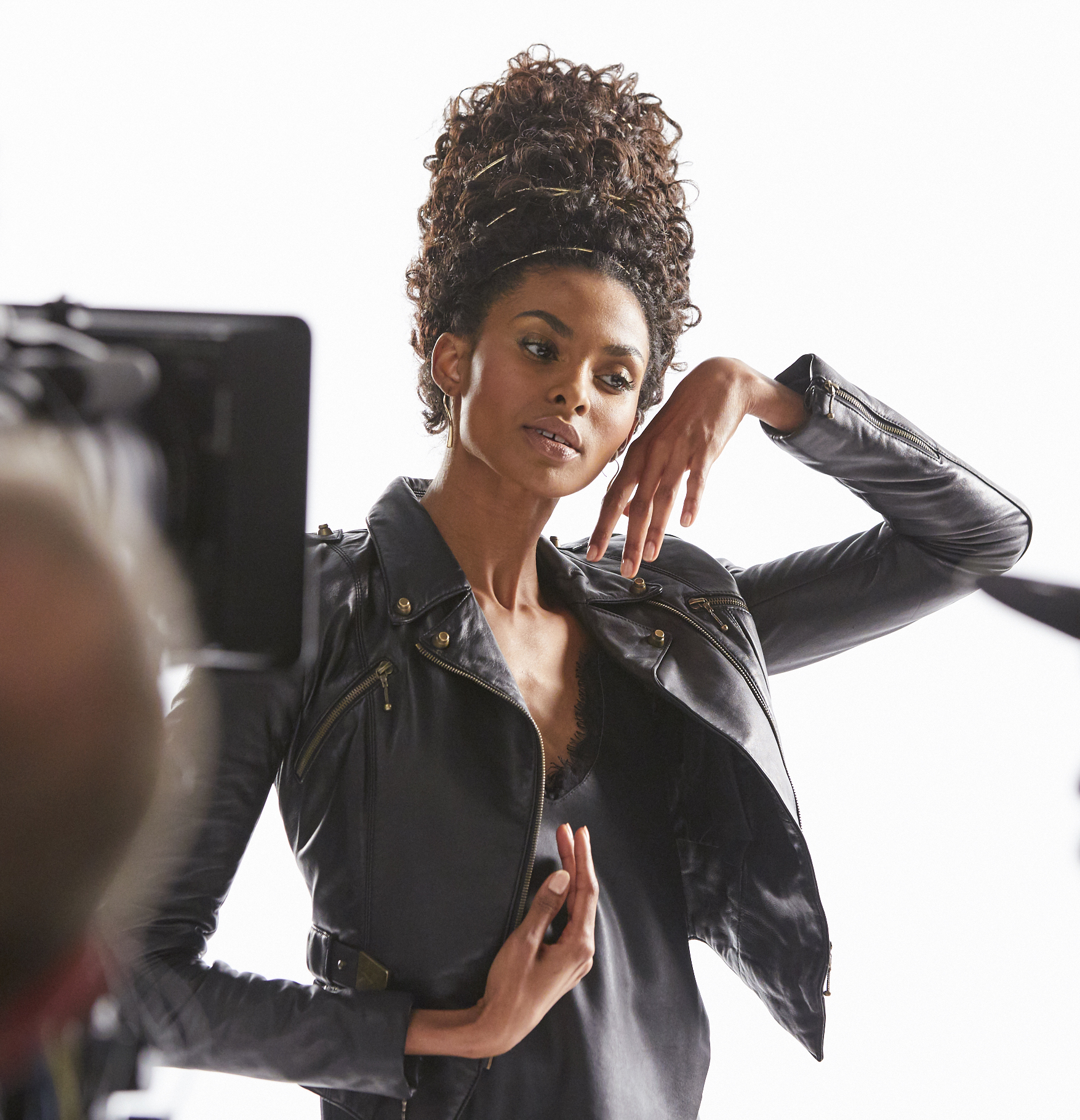 Behind-the-scenes at the shoot of Pantene's newest TV ad campaign, which celebrates the heritage, diversity and beauty of African American hair, proving that all strong hair is beautiful. (Photo: Business Wire)