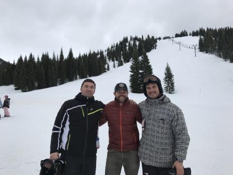 Les co-fondateurs de Skitude, Marc Bigas (à gauche) et David Huerva (à doite) lors de la visite d'une station de ski Californienne (Photo: Skitude)