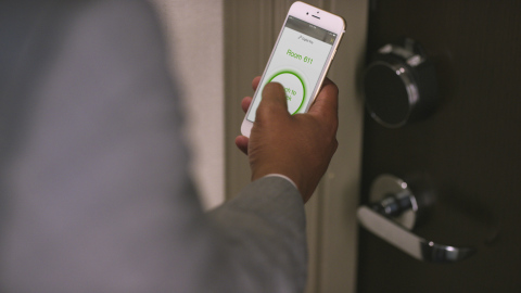 Hilton celebrates the debut of their 1,000th property with Digital Key. (Photo: Business Wire)