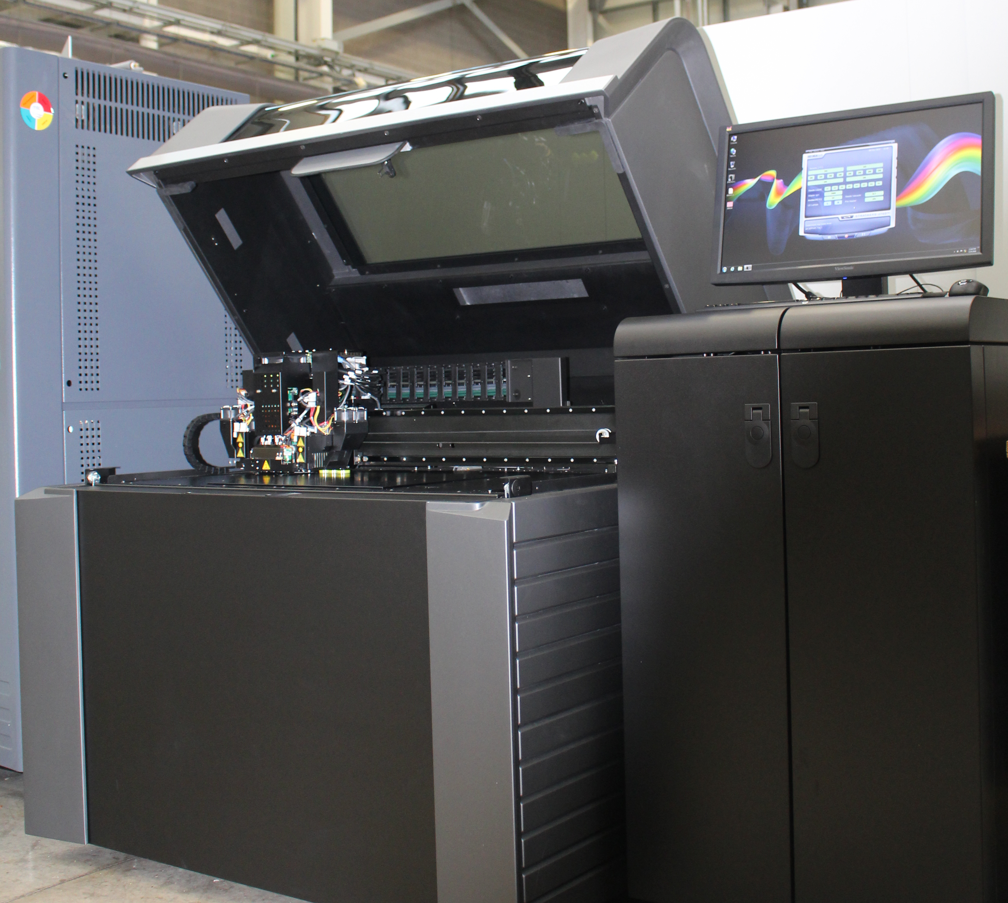 Stratasys 3D printing solutions like the J750 full color, multi-material 3D Printer reflect the MTC's objective to demonstrate new processes and technologies that push the boundaries of traditional manufacturing on an industrial scale (Photo: Business Wire)