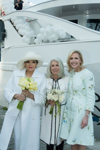 Dame Joan Collins, Mrs. Bea Tollman and Ellen Bettridge (photo by Steve Dunlop)