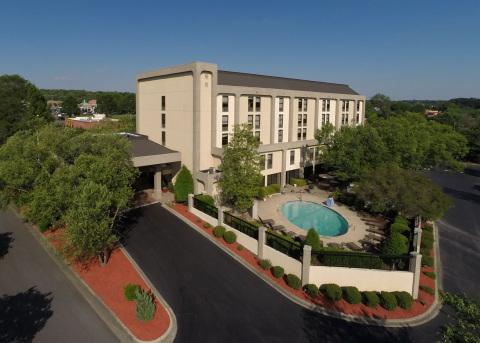 Hampton Inn by Hilton Charlotte/Matthews in Matthews, North Carolina (Photo: Business Wire)