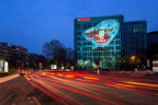 LOXAM festeggia il 50º anniversario con JCDecaux Artvertising