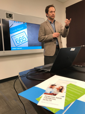 GM Financial employee facilitates financial literacy training for CAPWORKS, a job development initiative by the City of Fort Worth. (Photo: Business Wire)