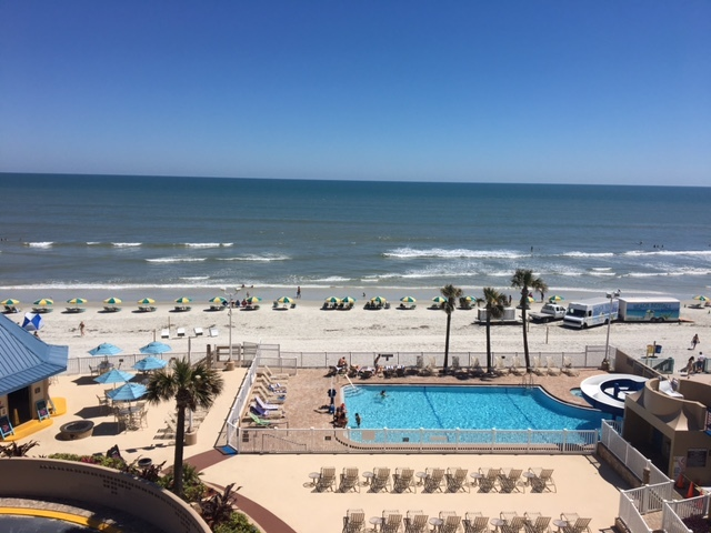 Once again a vacation destination hot spot, Daytona Beach Regency by Diamond Resorts International(R) re-opens its doors to welcome guests with new enhancements, refurbishments and renovations. (Photo: Business Wire)