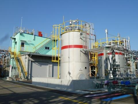 三井化学・名古屋工場の電解液プラント (写真:ビジネスワイヤ)