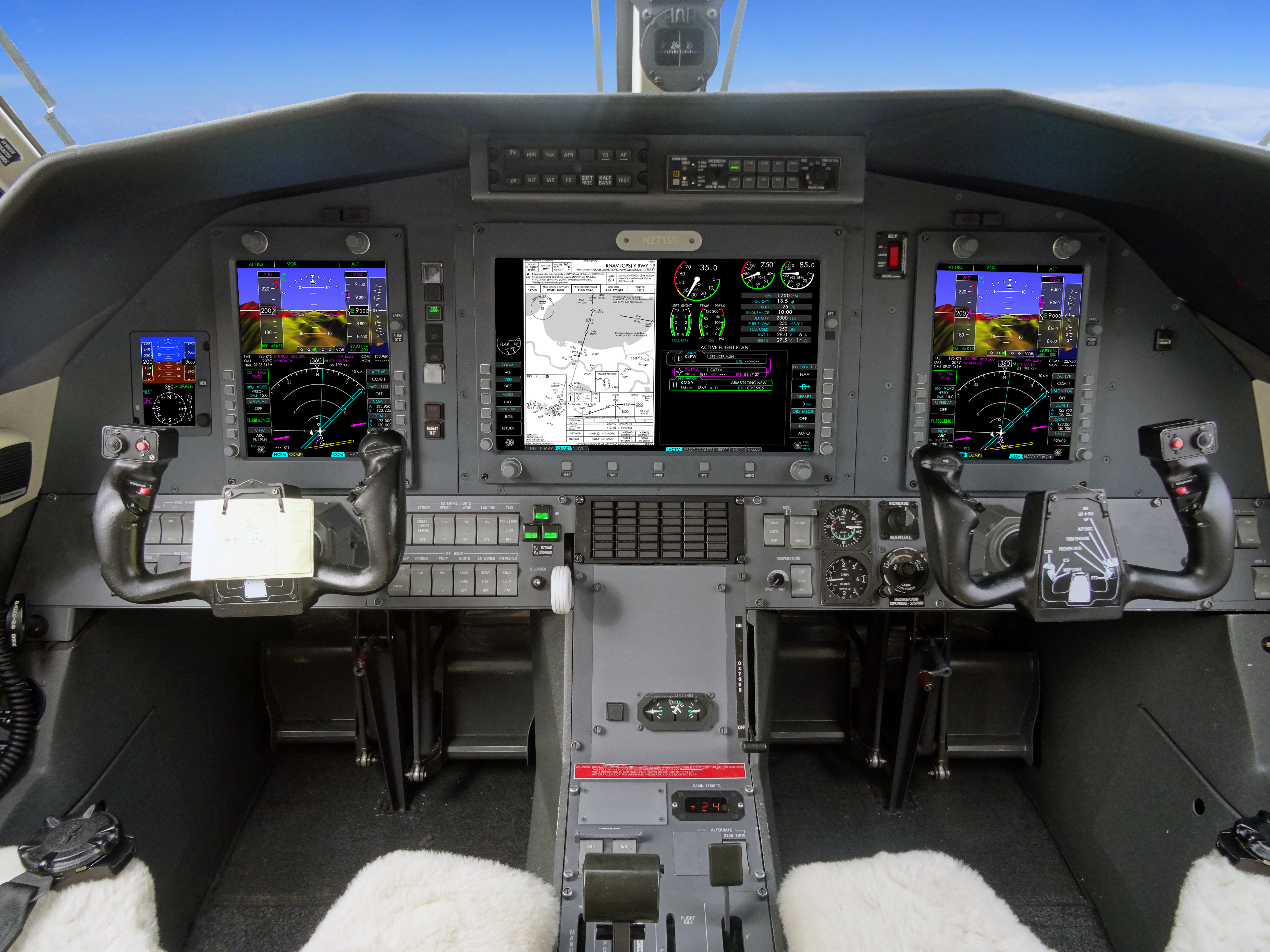 IS&S NextGen Flight Deck for Pilatus PC-12 (Photo: Business Wire)