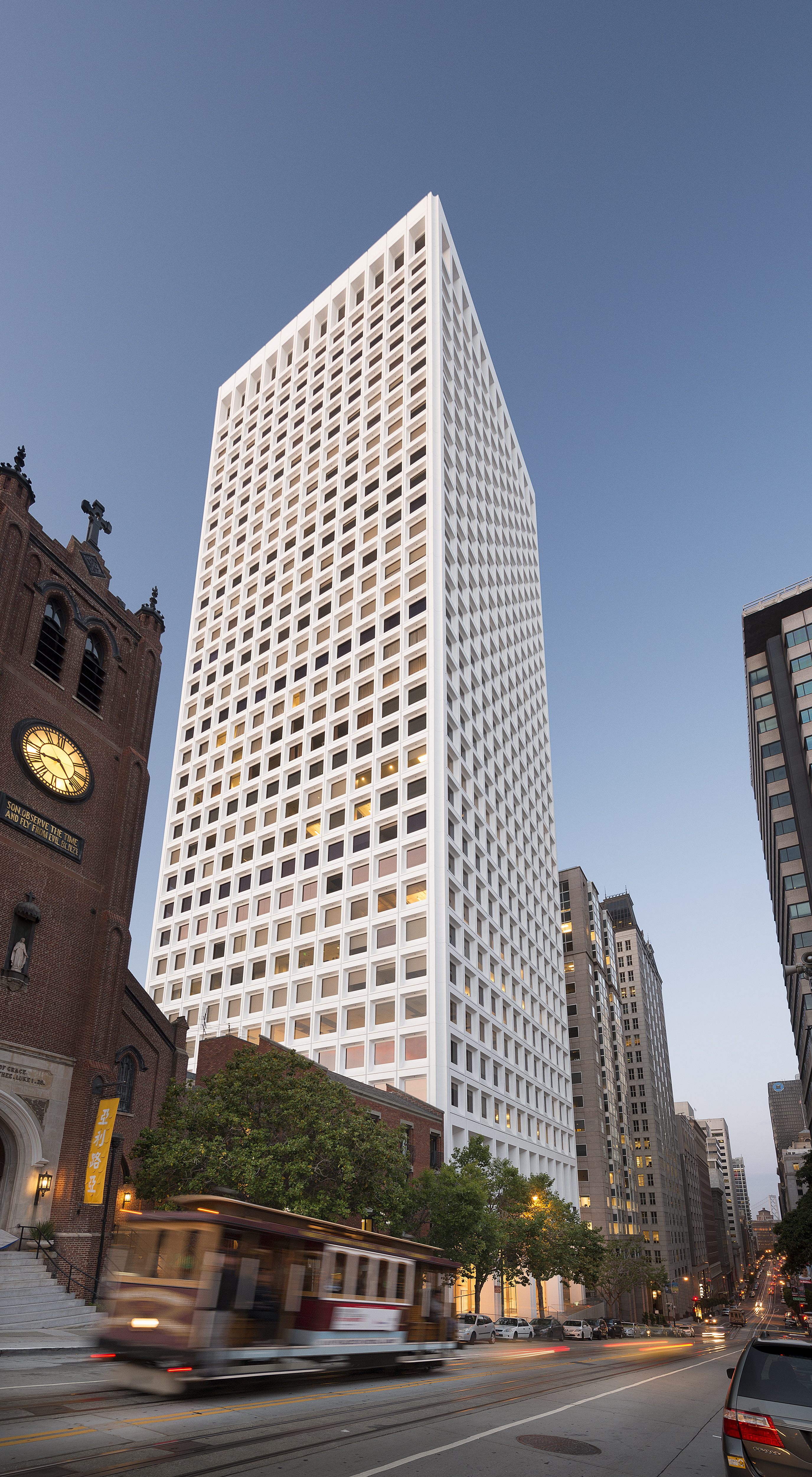 650 California Street, owned and managed by Columbia Property Trust, is enjoying significant leasing momentum, with 200,000 square feet of leases signed in the past year. (Photo: Business Wire)