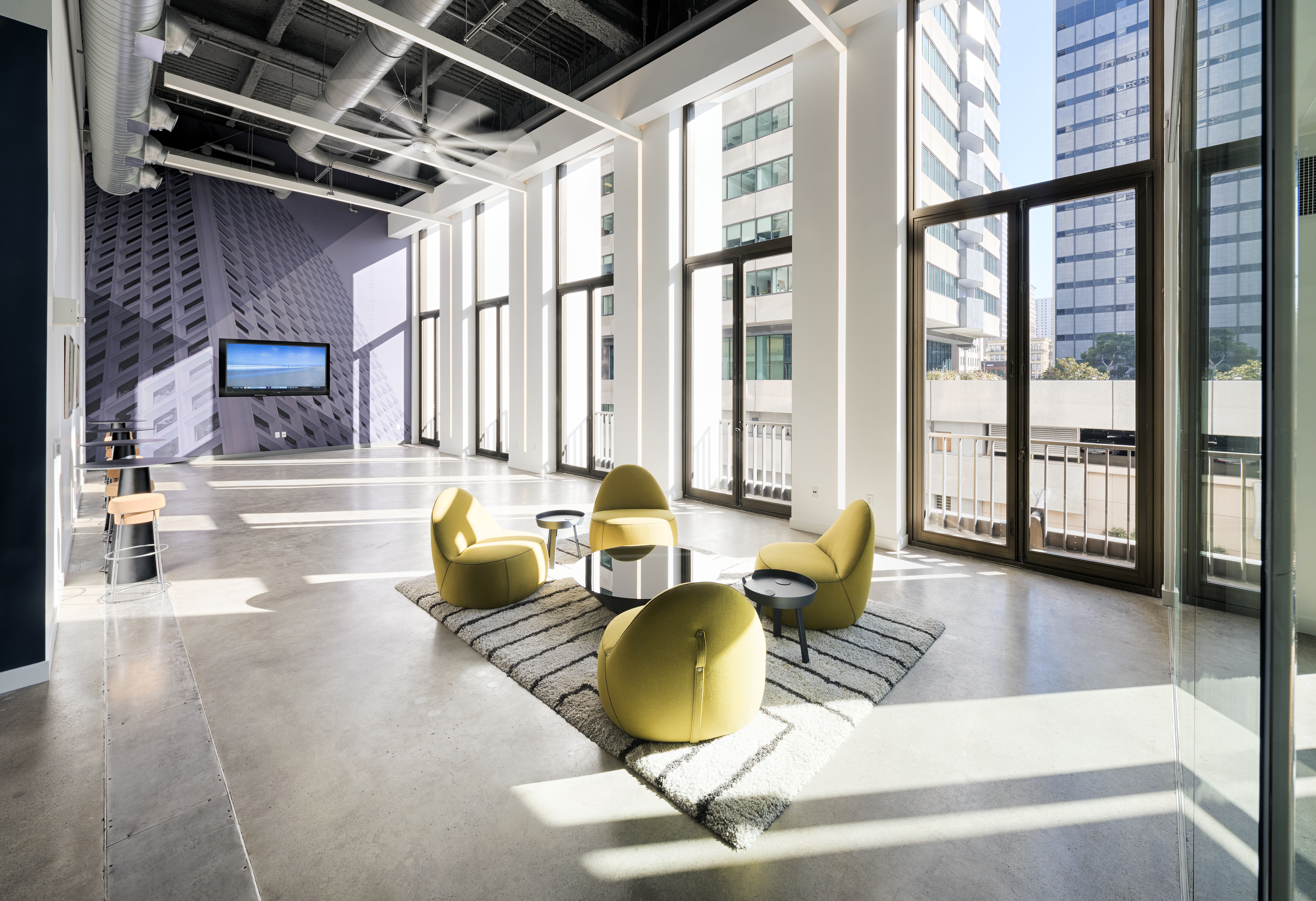 High-end upgrades and luxury amenities have driven 200,000 square feet of leasing activity at 650 California Street in the past year, including a new 86,000-square-foot lease with Affirm signed in April. (Photo: Business Wire)
