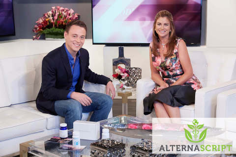 Lucas Siegel (CEO, AlternaScript) and Kathy Ireland (Supermodel and Entrepreneur) discuss AlternaScript's NatureThin: a breakthrough botanical-based weight management multivitamin. (Photo: Business Wire)