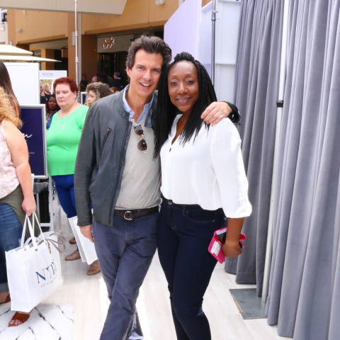 O, The Oprah Magazine creative director Adam Glassman and a campaign hopeful (Photo: Business Wire)