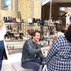 O, The Oprah Magazine creative director Adam Glassman helps campaign hopefuls find the perfect fit (Photo: Business Wire)