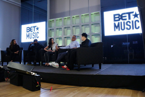 l-r: Social Activist Tamika Mallory, Hip Hop Artist Talib Kweli, Commentator Angela Rye, Musician T.I. and Police Officer Nakia Jones (Photo: Business Wire)