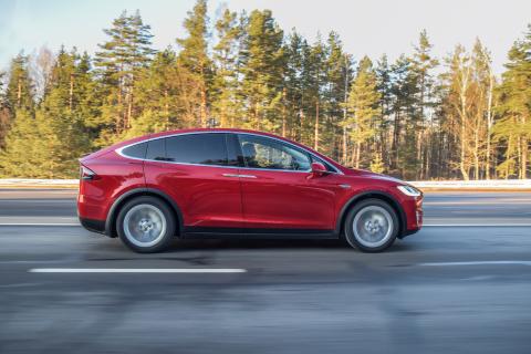 Tesla Model X (Photo: Business Wire)