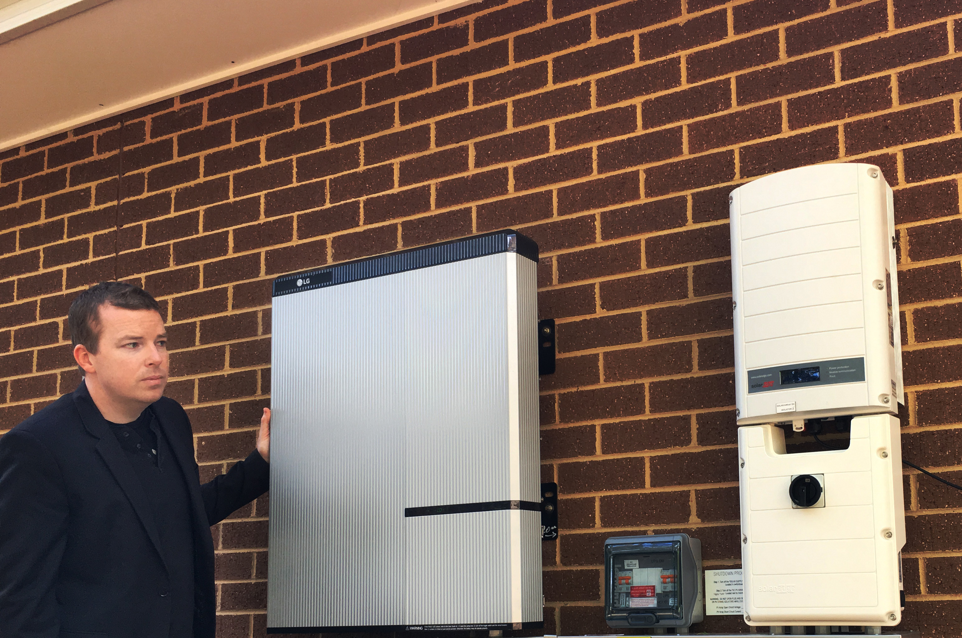 LG Chem has launched its residential battery system in the North American market with a high-voltage 400V version. This is its first from a lineup that will be available soon throughout the U.S. and Canada. (Photo: Business Wire)