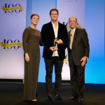 Jeunesse Chief Visionary Officer Scott Lewis accepts the Direct Selling News Bravo Growth Award at the 2017 DSN Global 100 Celebration. (Photo: Business Wire)