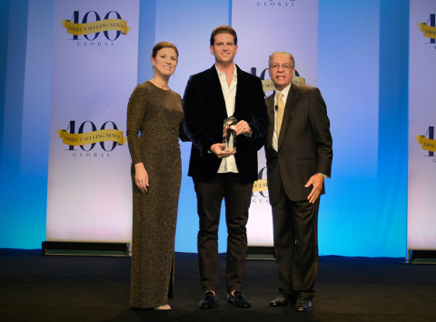 Jeunesse Chief Visionary Officer Scott Lewis accepts the Direct Selling News Bravo Growth Award at t ...