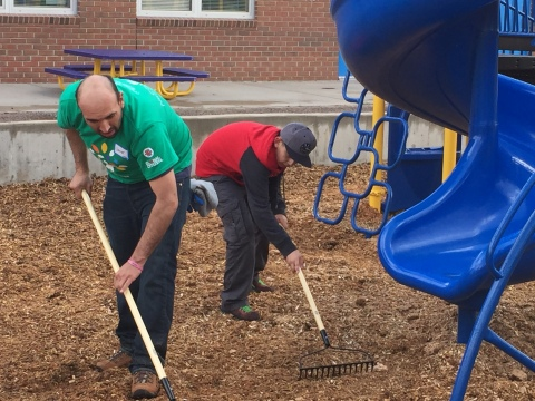 Nearly 6,000 Comcast Colorado Employees, Friends and Family Volunteer at 57 Schools and Community Organizations Across the State on Comcast Cares Day (Photo: Business Wire)