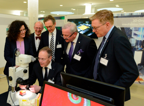 Representatives from industry, government and academia have opened the High-Performance Center Translational Medical Engineering: (from left to right) Dr. Gabriele Heinen-Kljajić, Minister for Science and Culture of Lower Saxony, Prof. Theodor Doll, Head of the High-Performance Center, Prof. Norbert Krug, Director of Fraunhofer ITEM, Prof. Reimund Neugebauer, President of the Fraunhofer-Gesellschaft, Prof. Christopher Baum, President of the Hannover Medical School, and Prof. Thomas Lenarz, Professor and Chairman of the Department of Otorhinolaryngology of the Hannover Medical School (sitting at the front). (Photo: Business Wire)