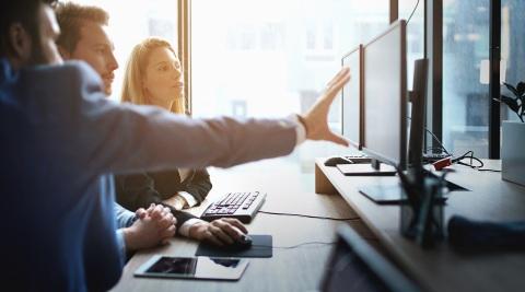 La plateforme ASCEND intègre les technologies et les logiciels développés par CompuCom pour aider les clients à exécuter leurs initiatives de transformation numérique. (Photo: Business Wire)