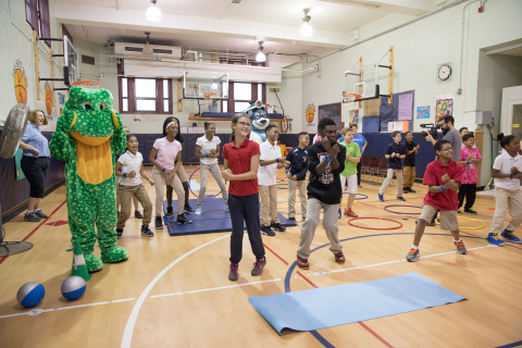 """UnitedHealthcare donates NERF ENERGY Game Kits to encourage Liberty Elementary fifth-graders to combine physical activity with """"exergaming"""" app (Photo: Mark Simpson)."""