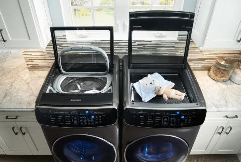 Samsung FlexWash™ + FlexDry™ usher in a new era in which the laundry appliance adapts to the needs of today's modern family. (Photo: Business Wire)
