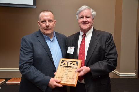 Jimmy Price, Golden Flake (left) accepts ATA's President's Safety Award from award sponsor Barry McGriff of McGriff Tire Company (Photo: Business Wire)