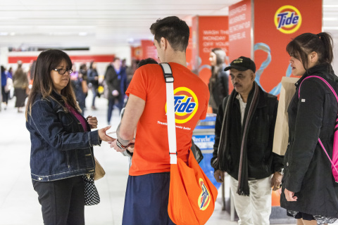 Tide PODS Plus Downy is providing free Toronto Transit Commission (TTC) rides as part of the #TreatThemBetter program during the afternoon rush (Photo: Business Wire)