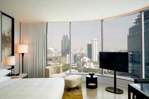 Park Deluxe Guestroom at Park Hyatt Bangkok (Photo: Business Wire)